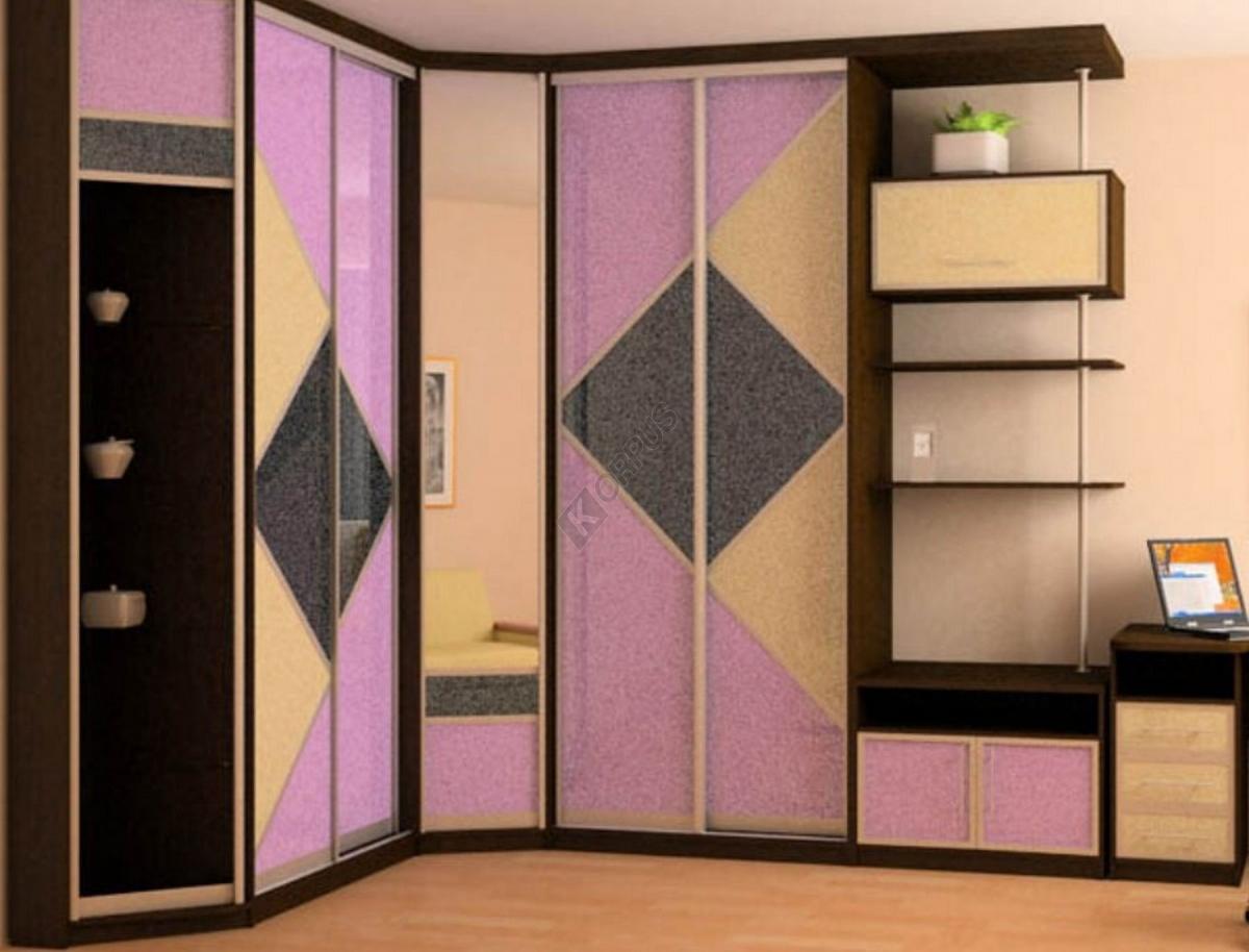 Шкафы купе угловые с объемными дверями.